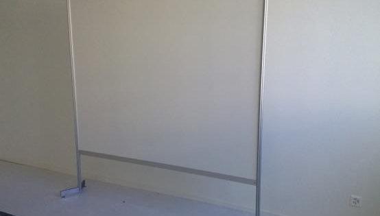 Panneau d'exposition blanc
