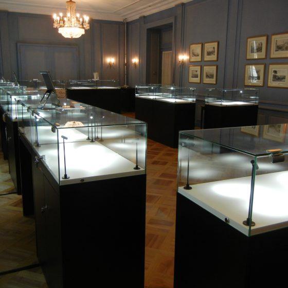 Location de vitrines d'exposition à Lausanne et Genève