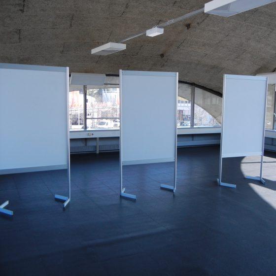 Panneaux d'exposition modulables recto-verso