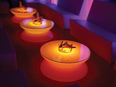 Vente de mobilier. Vente de tables lumineuses avec éclairage à led et télécommande.